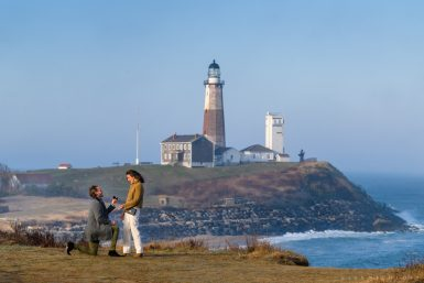 Read more about the article Montauk Lighthouse Proposal Photographer